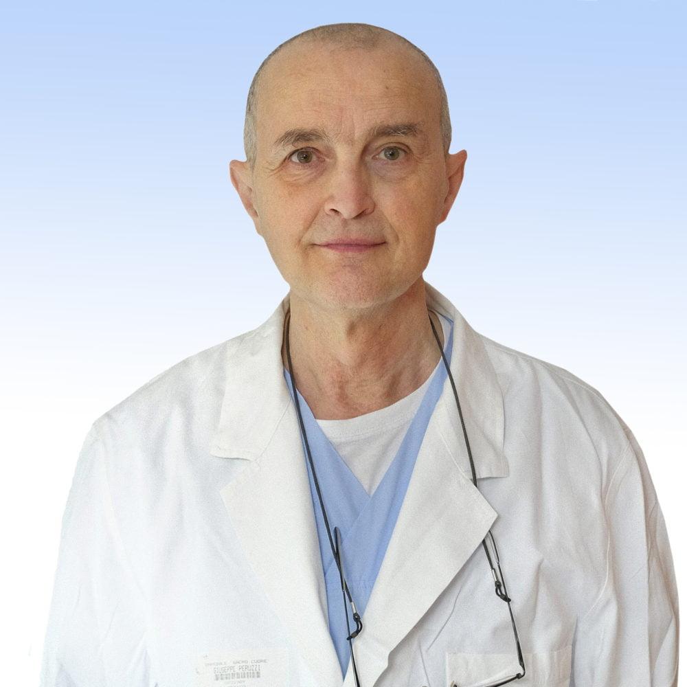 Dottor Giuseppe Peruzzi ortopedico IRCCS Ospedale Sacro Cuore Don Calabria di Negrar